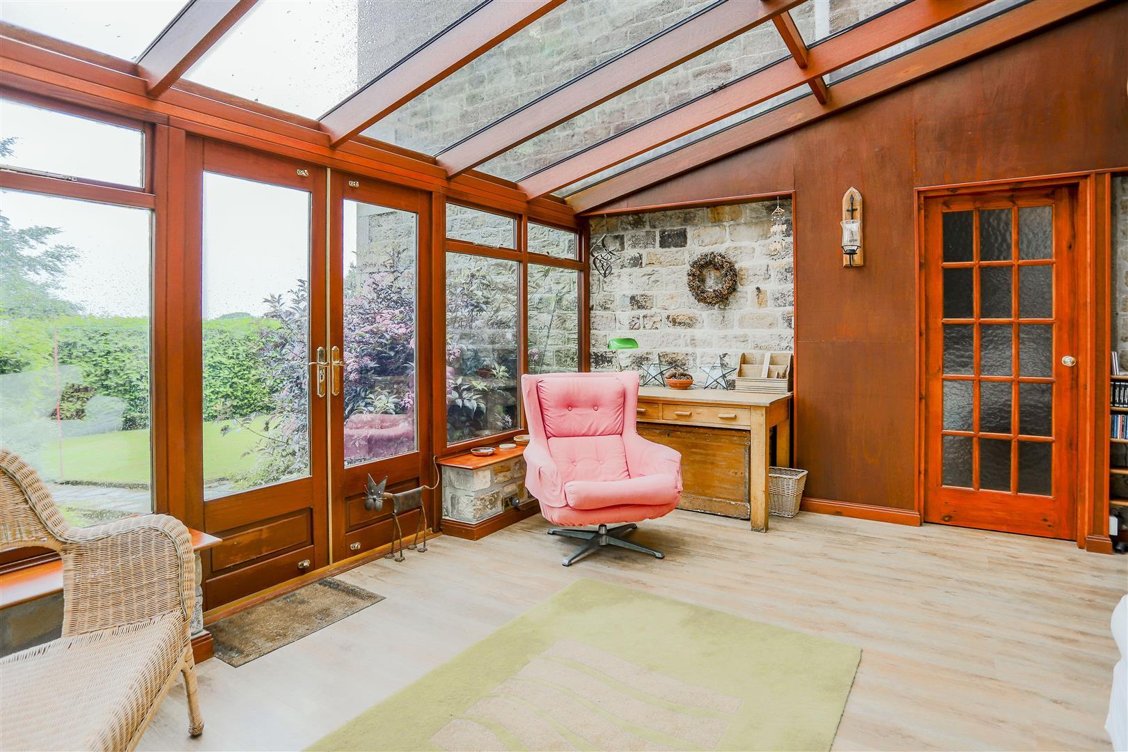 6 Bedroom Detached House For Sale - 44.JPG